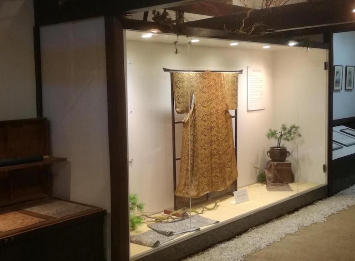 お披露目される着物は展示されている金の着物と対をイメージして作られた