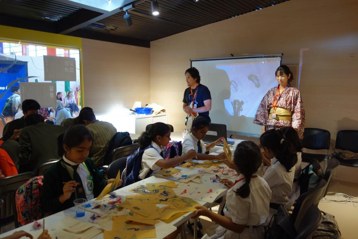 シャルジャ国際ブックフェアでの子ども向けワークショップの様子