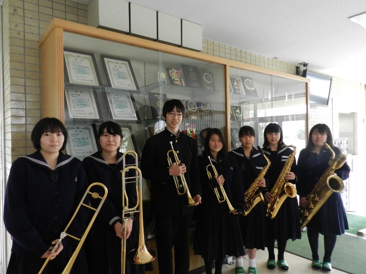 研修に参加する高砂高校ジャズバンド部のメンバーたち