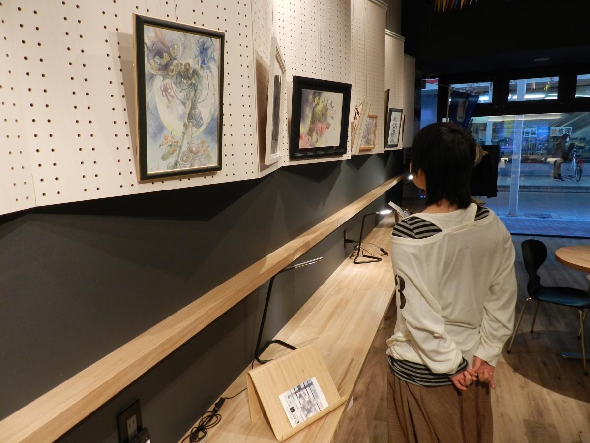 加古川で前個展を開催する戎井さん