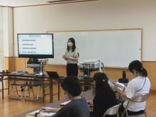 ICT教育化に向け米田小学校で実物投影機研修会 高砂市内小・中学校の全教室に導入へ