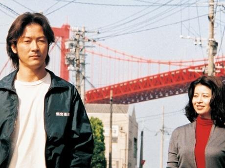 すべてを包み込みながら美しく生きる、ゆるぎない女を演じ、最高主演女優賞を獲得した石田えりさん(右)。共演した板谷由夏さんは最優秀助演女優賞