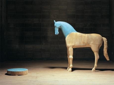 高崎出身の現代彫刻家・深井隆さん作品展-高崎シティギャラリーで ...