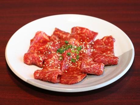 「和牛に負けない」(飯塚さん)「ぎょうてんカルビ」は514円(写真)。「国産牛カルビ」は766円