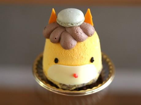 イチゴムースとチョコレートで大人も満足できる味を目指したという「ぐんまちゃんケーキ」(1個350円)