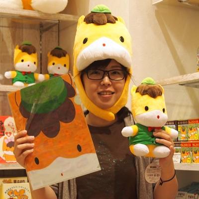 売れ筋全部持ち、ぐんまちゃんショップ店長の斉藤美樹さん
