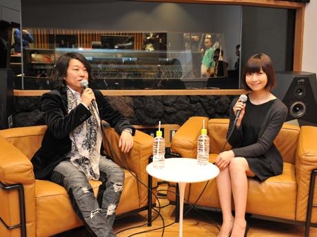 音楽スタジオをプロデュースした多胡邦夫さん、オープニングイベントに駆け付けた持田香織さん