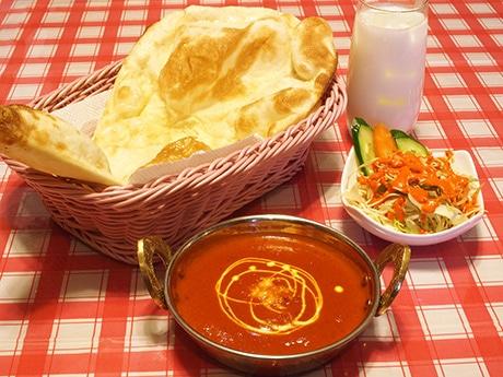 カレーラッシュ 今度は「ネパールカレー」新店 ナンも本場の鉄板焼き