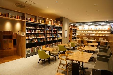 Bookmark Lounge cafe高崎オーパ店、打ち合わせも可能なコーナー