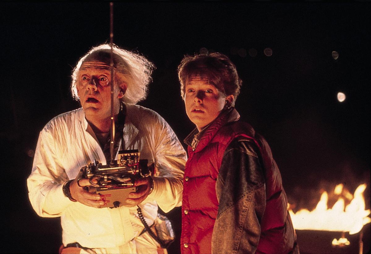 二人が目指した「未来」を2年超えた。「バック・トゥ・ザ・フューチャー」(C)1985 Universal Studios. All Rights Reserved.