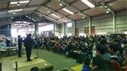 上毛電鉄新春イベントに1200人 「スーパーベルズ」立ち見も