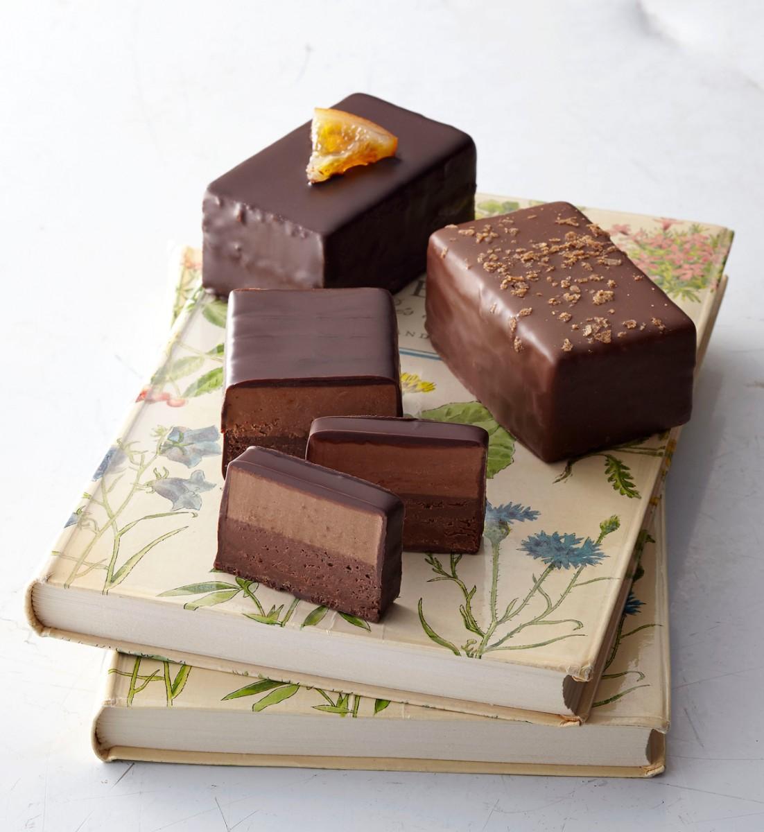 フランス、女性ショコラティエによる「ショコラティエール・ドゥ・マルセイユ」、バレンタイン用では珍しいチョコバー、切って食べる