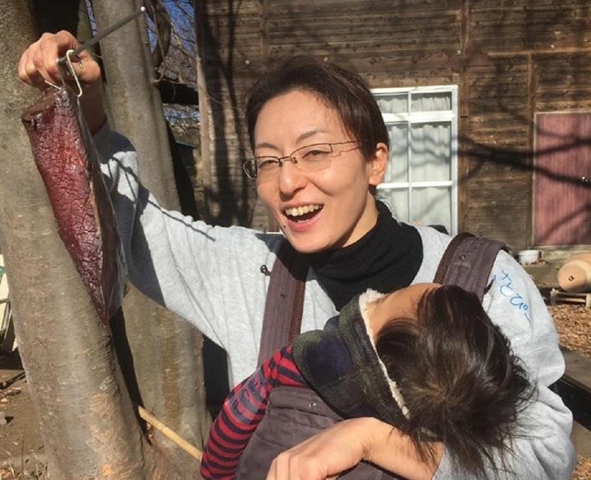 戸塚さんは農学博士、一級ハム・ソーセージ・ベーコン製造技能士。食品会社の研究職を経て現在は建築会社の社食のシェフとして活躍している