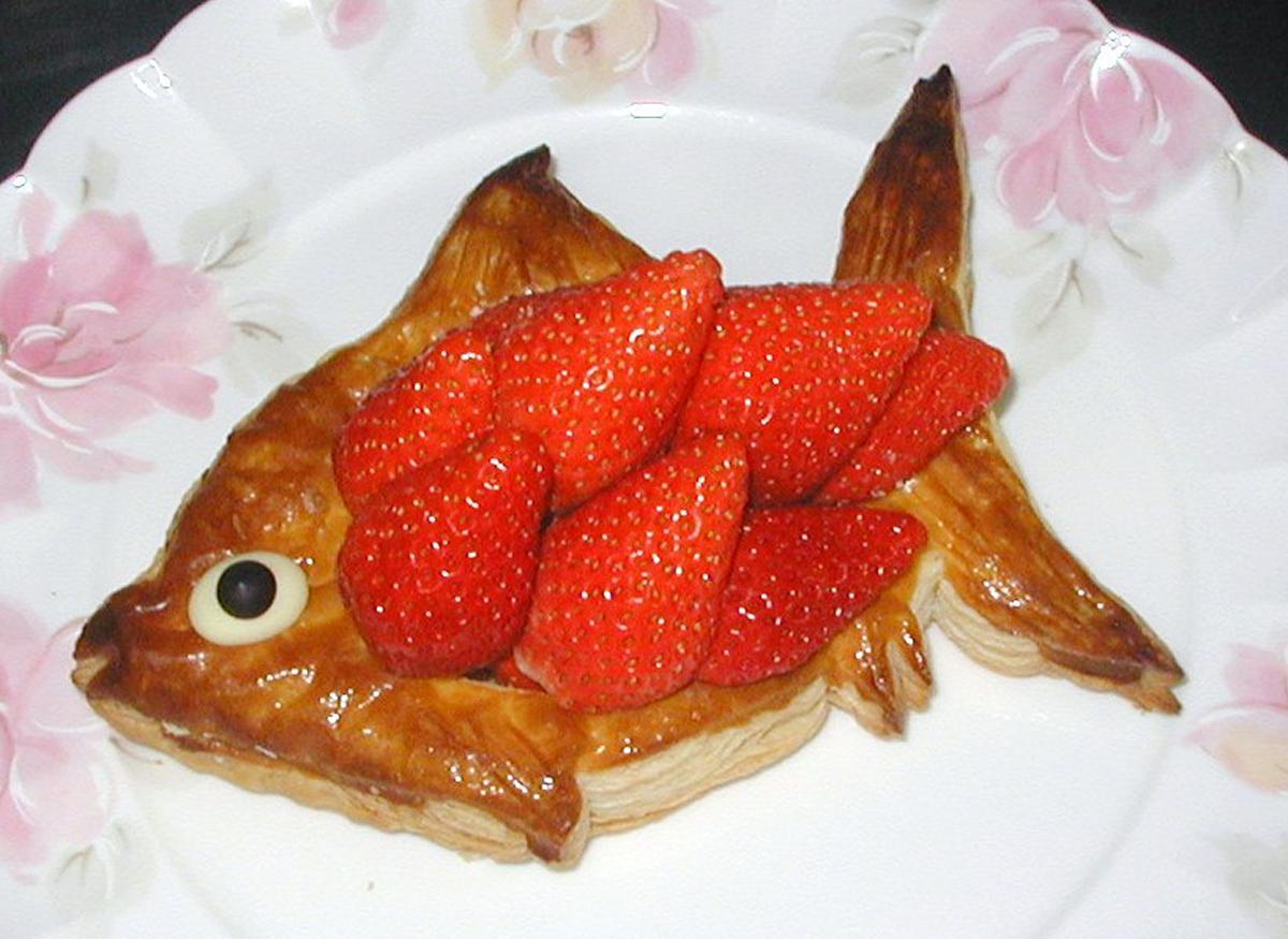 「パリの朝市」のポワソン・ダブリル(1,940円)、魚の形を「鯛」にしたという