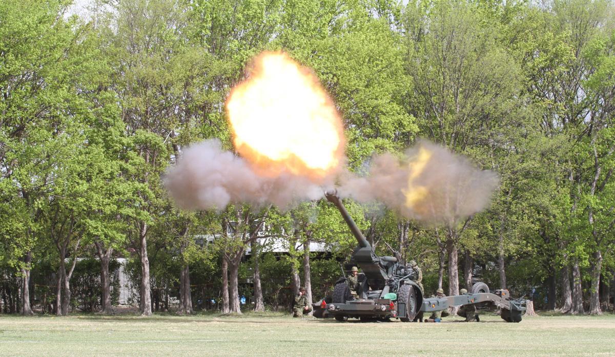 「155mm榴弾砲FH-70」陸上自衛隊で最も多く配備されている火砲。西ドイツ、イギリス、イタリアが共同開発した