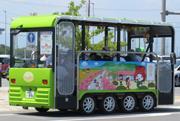 コミュニティバス「電動たまりん」 道の駅を起点に周遊、麦秋楽しむ