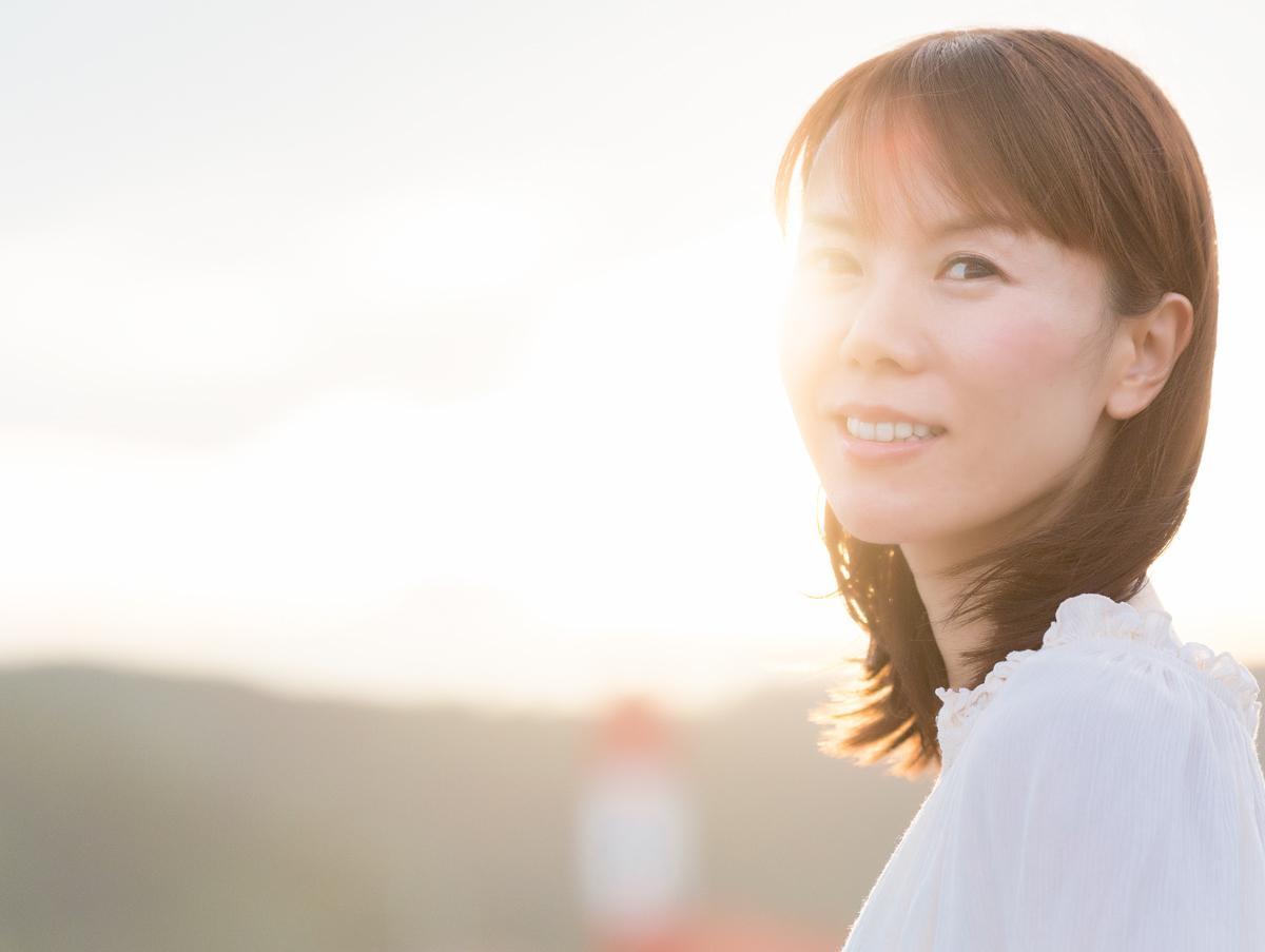 半崎美子さんは17年の下積みを経て昨年4月にメジャーデビュー。メジャーデビュー後もショッピングモールのステージに立っている