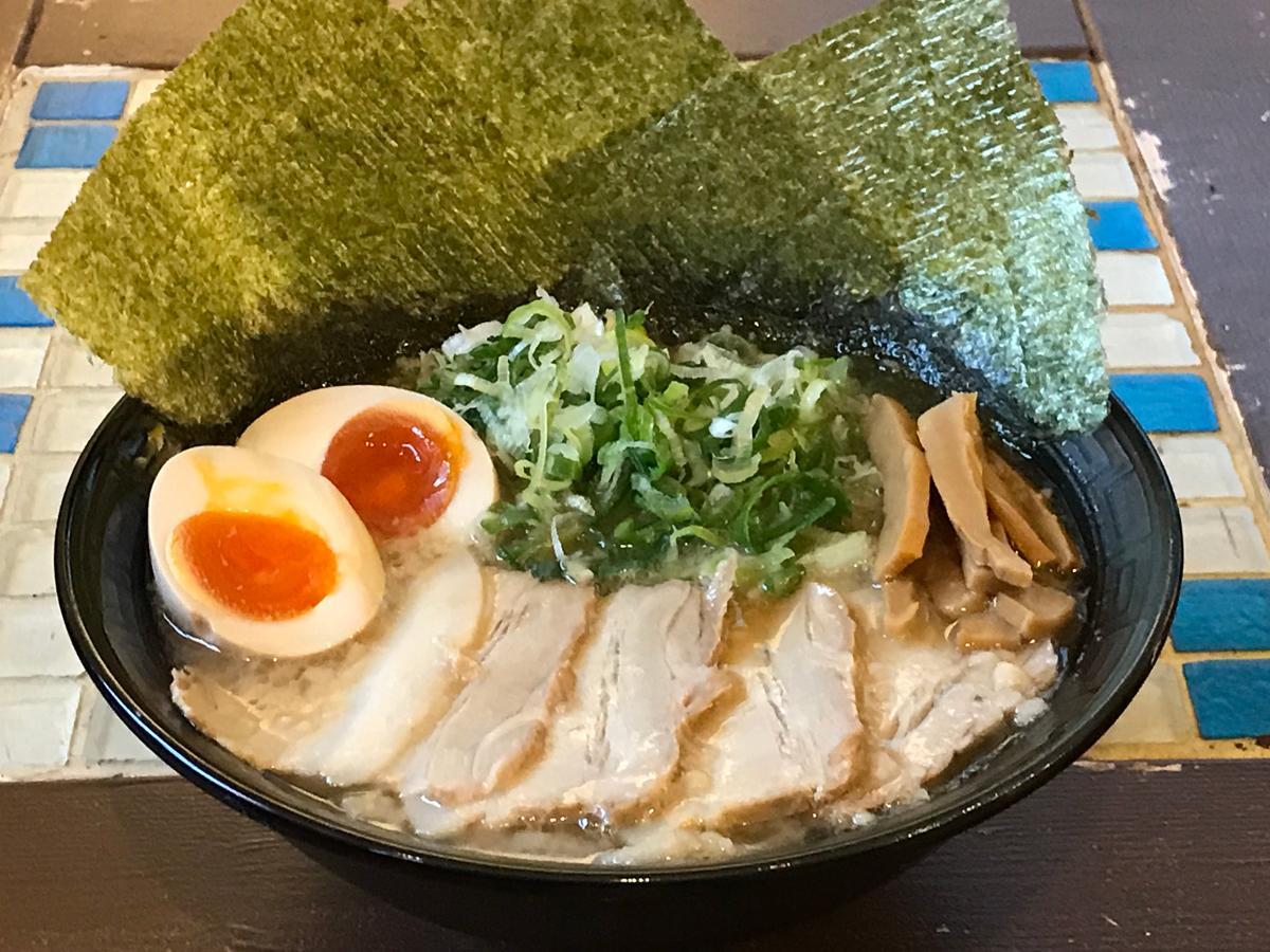豚骨醤油スペシャル(950円)