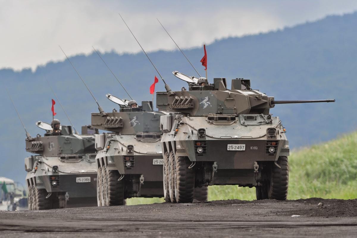 初めて展示される偵察警戒車(87式)は全長5.99メートル、全幅2.48メートル、全高2.8メートル、最高速度は時速約100キロ
