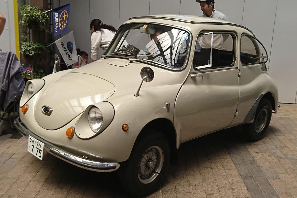 1968年式のスバル360で全長2,995ミリメートル、全幅1,295ミリメートル、全高1,335ミリメートル、てんとう虫の愛称で親しまれた。スバル360はSUMBARUの前身、富士重工業(伊勢崎市)で製造された