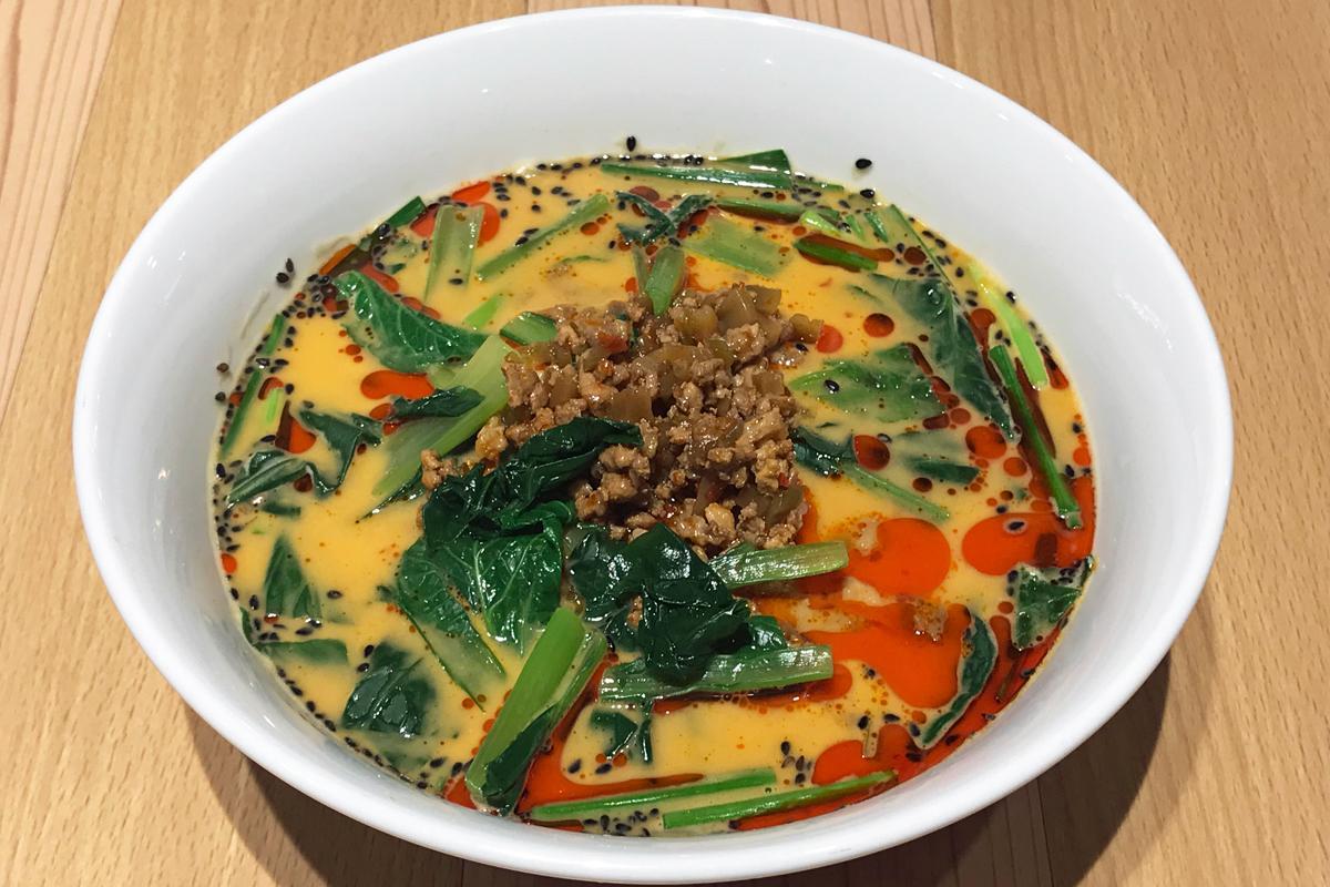 クリーミーなスープに辛さが冴える「四川風担々麺」(880円)