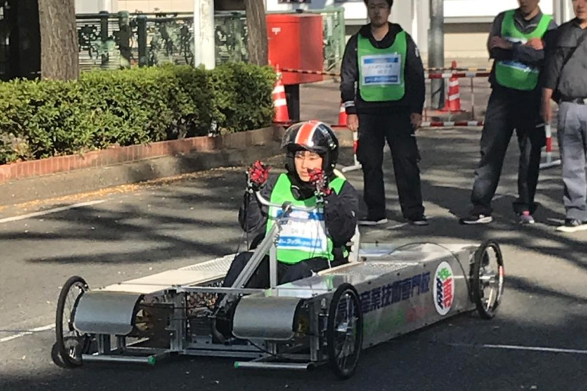 大会レコードホルダー「群馬県立高崎技術専門校機械技術科チーム」、昨年も優勝しており大会記録更新と連覇を目指す