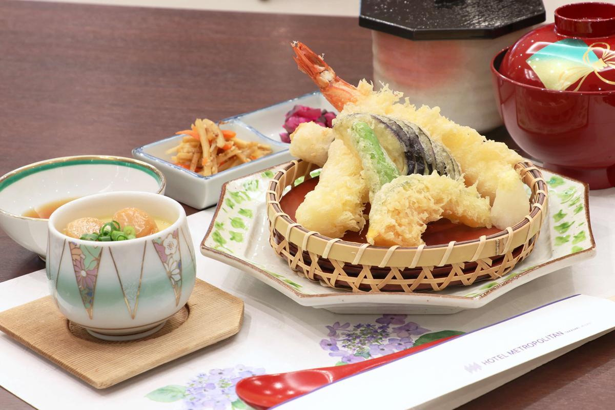 初めての試み、和食ランチ「天婦羅御膳」(2,000円)