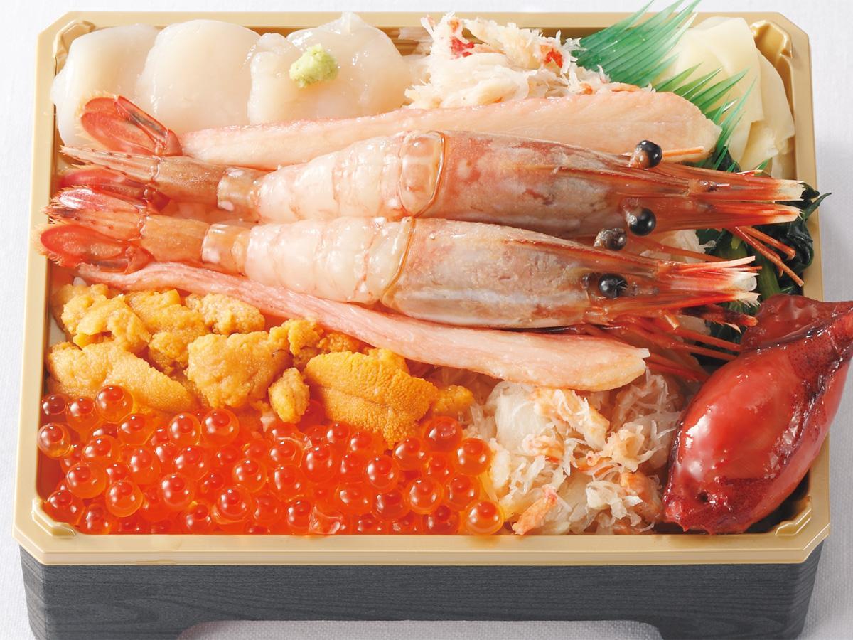 「海鮮市場めし兆」(札幌市)の「海鮮五色弁当」(2,484円)、高崎タカシマヤオリジナル