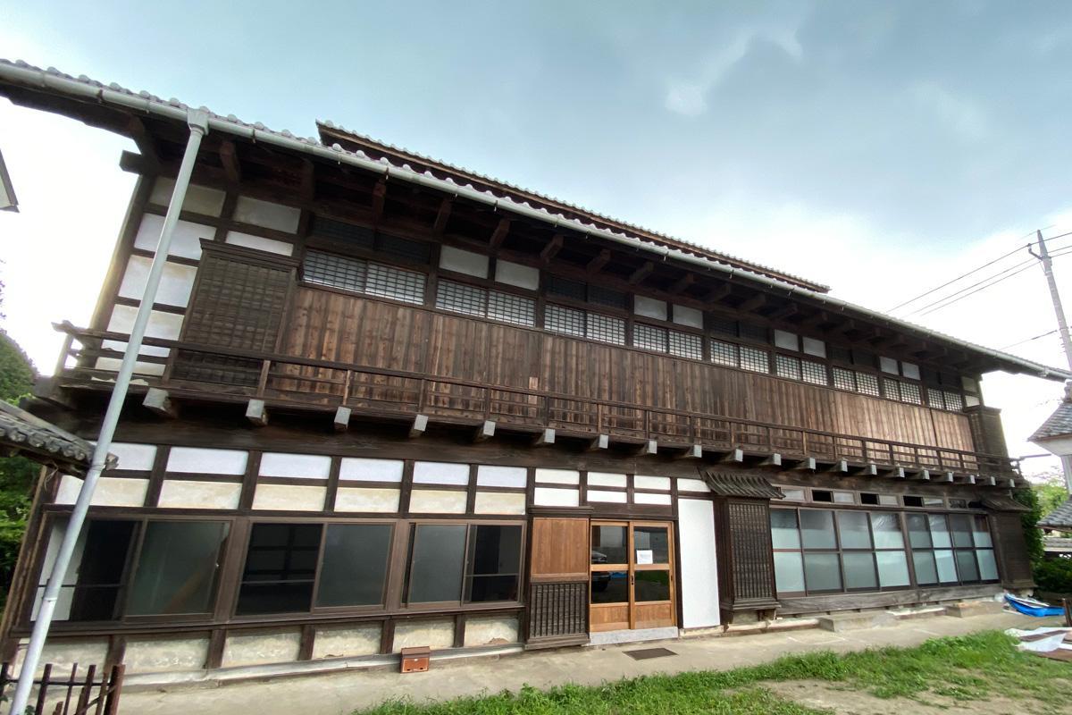 「箕郷矢原宿カフェ」カフェは1階