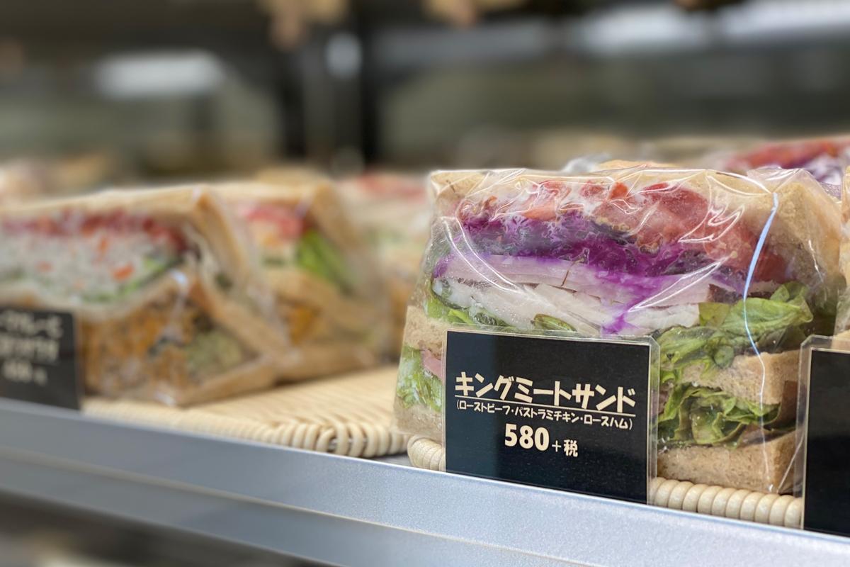 サンドイッチは食事系、スイーツ系があり1日約25種類をラインアップ