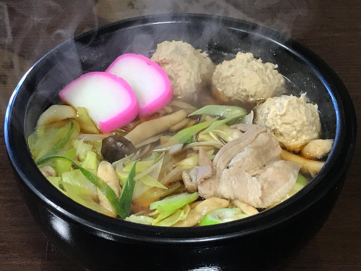 「どすこいちゃんこうどん」(1,000円)、麺は300グラム(並)