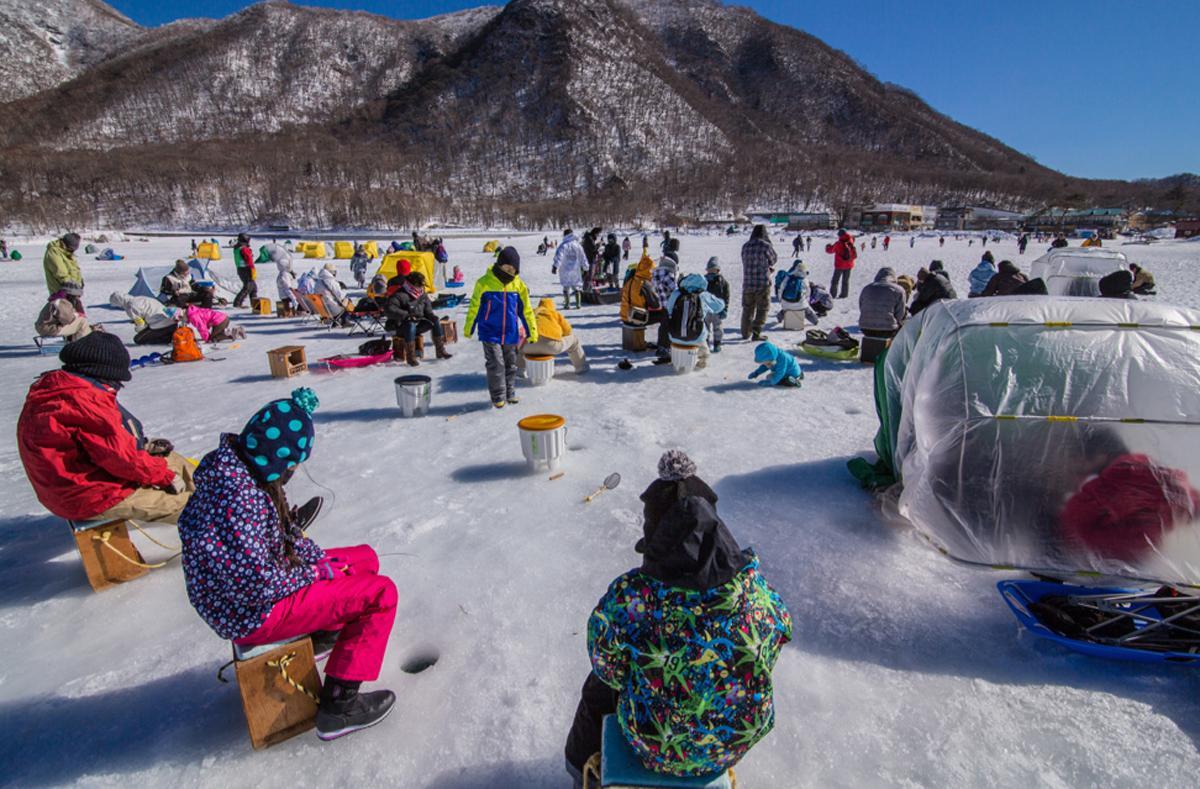 開催される予定だった「氷上ワカサギ釣り」、初心者が気軽に参加できることから人気があった
