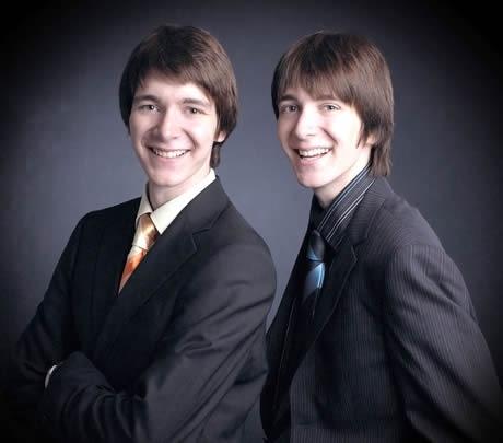 7月24日の舞台あいさつに登場するロンの双子の兄、ウィーズリー兄弟(=写真)