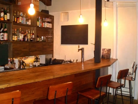 「音楽と料理の融合」がテーマの「Cafe Bar…Que」がオープン