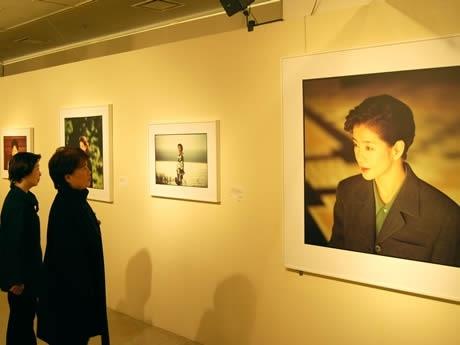 岩田屋本店で「『試写・吉永小百合』石川三明写真展」が開催