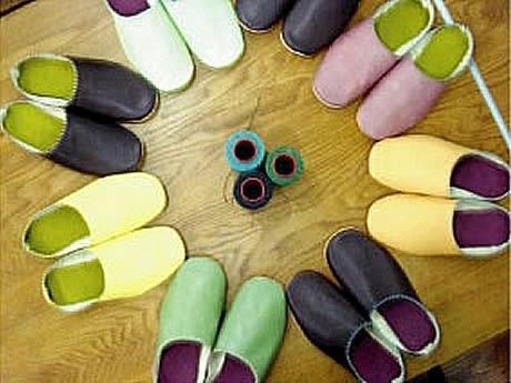 大名のバルベリア美容室で1日で作れる「靴作り教室」が開講