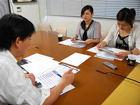 福岡の企業で広州・釜山の学生が就業体験