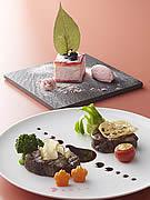 ニューオータニ博多で「SAKURAディナー」-九州新幹線全線開通記念で