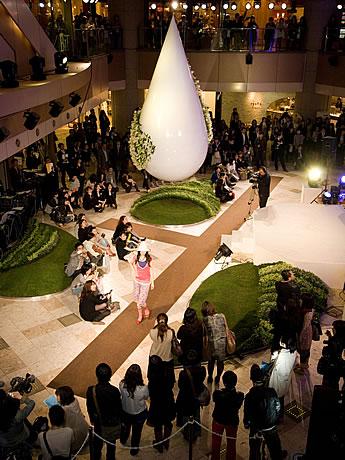 2009年にイムズで行われたファッションショーの様子