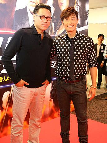 イ・ビョンホンさん(右)とジョン・M・チュウ監督