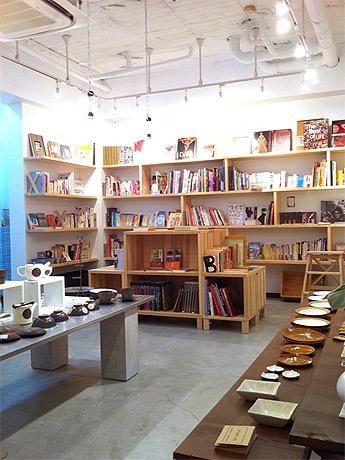 警固に古本・雑貨のセレクトショップ「ルーモブックス&ワークス」がオープン
