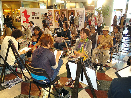 ソラリアプラザで若手アーティストの作品展「福岡魂」が開催