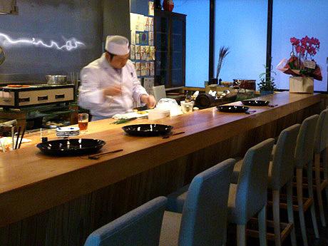 大名に日本料理店「幸丸家tomo」がオープン