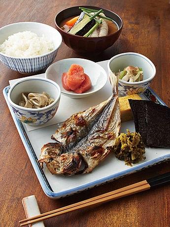 福岡の食材を使った数量限定のメニュー「博多朝ごはん」