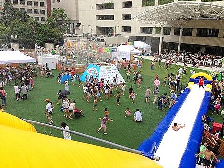 福岡市役所西側ふれあい広場でイベント「天神涼園地」が開催