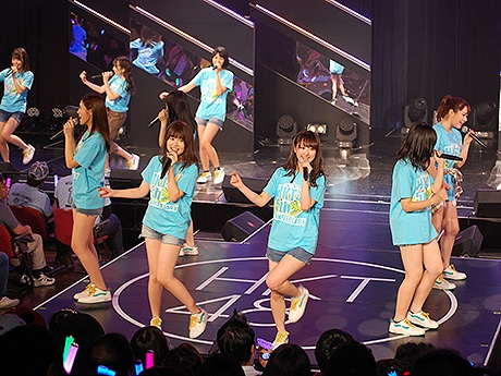 天神でHKT48結成5周年イベントが開幕