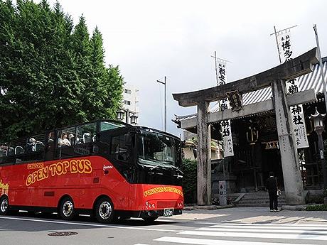 福岡オープントップバスの利用者数が30万人を突破