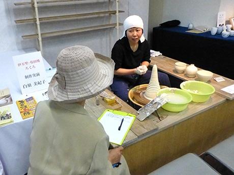 天神で「女性伝統工芸士展」 全国から22人の作品一堂に