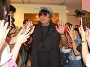 ロバート秋山さん「福岡クリエイターズ・ファイル祭」 YOKO FUCHIGAMI登場に歓声
