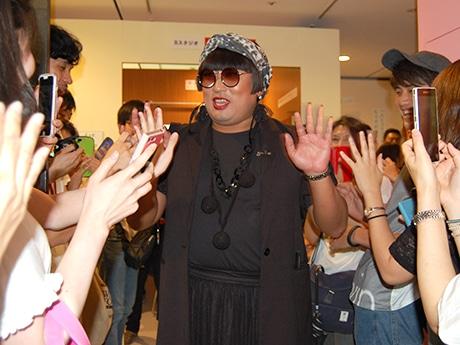 福岡パルコに登場したトータル・ファッション・アドバイザーのYOKO FUCHIGAMI